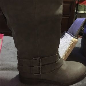 NWT-Over the knee grey boot